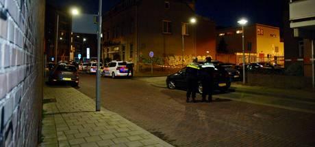 VIDEO: Twee doden aangetroffen in voormalig hotel in Arnhem