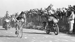 """TOUR DE MERCKX. Geen overwinning op de Puy de Dôme: """"Ben te laat begonnen en werd zo tweede"""""""