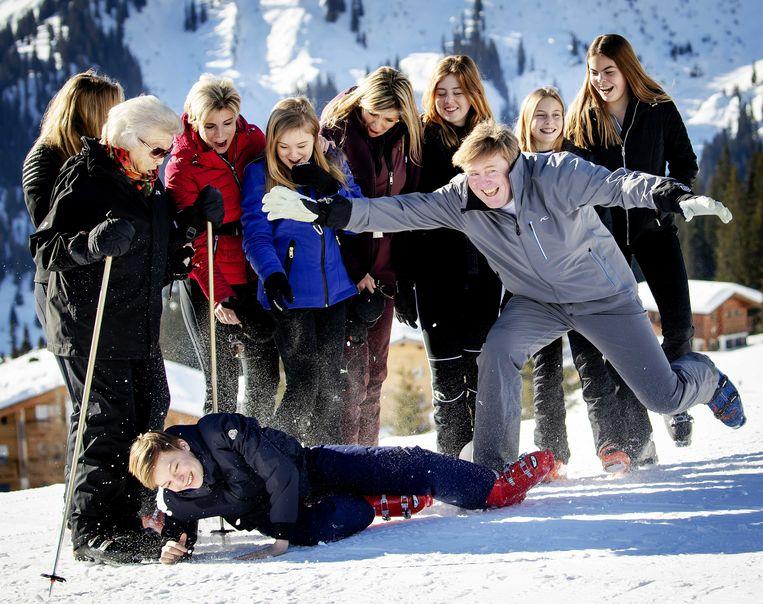 De Nederlandse koninklijke familie tijdens de jaarlijkse fotosessie in Lech.