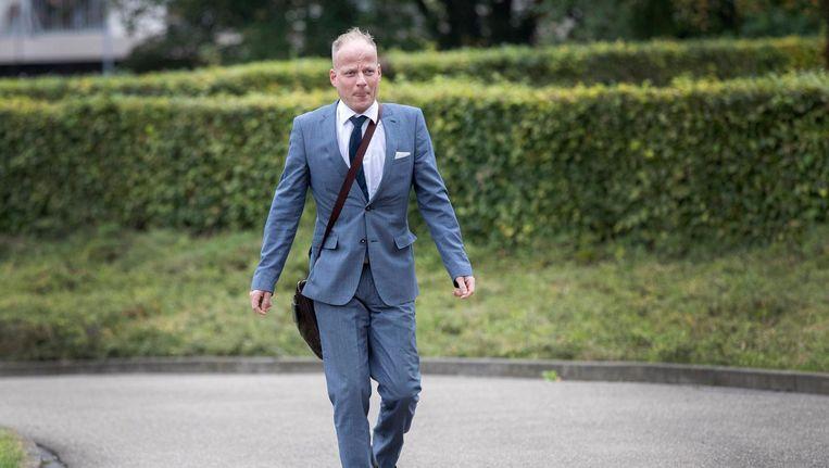 Michael Heemels, oud-woordvoerder en ex-Statenlid van de PVV, arriveert bij de rechtbank. Beeld anp