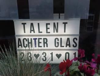 Lichtbakken aan ramen kondigen talentenjacht aan in Ledeberg