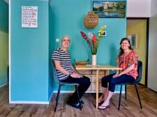 Het bed in de woonkamer van Dave en Bianca is na een metamorfose verstopt in de kast: 'Wereld van verschil'