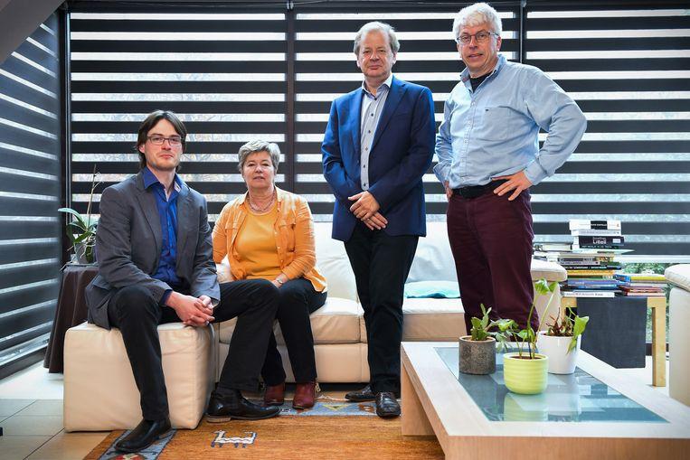 Stijn Roels, Bethy Van Cleemput, Dirk De Caluwe en Frank Van Mossevelde componeerden het 'Requiem pro Luna'.