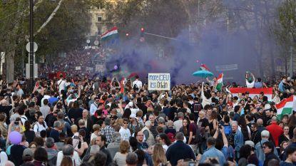 Tienduizenden mensen betogen in Boedapest voor democratie