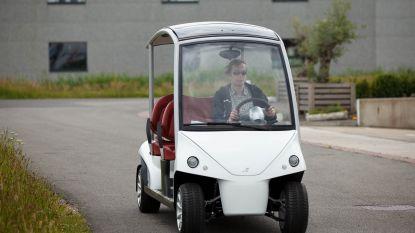 Golfkarretje op zaterdagmarkt voor minder mobiele mensen