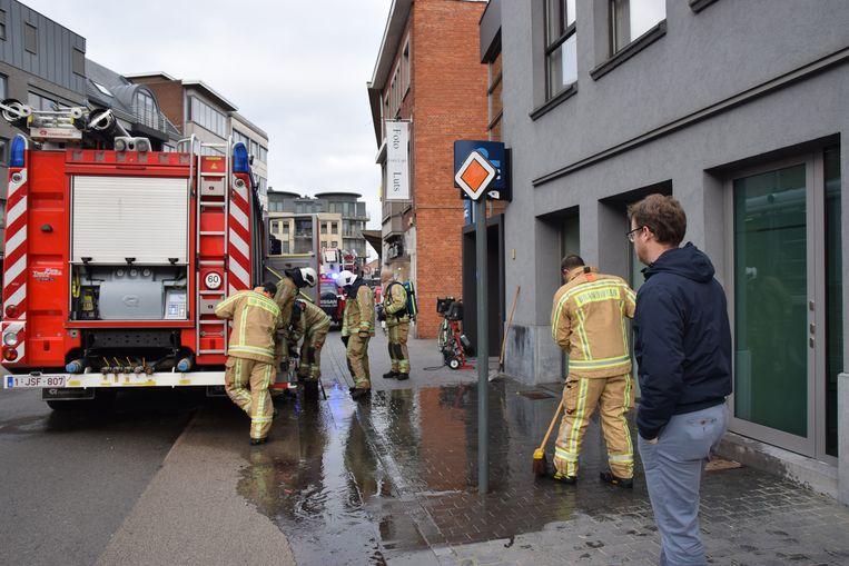 De brandweer aan het KBC-kantoor