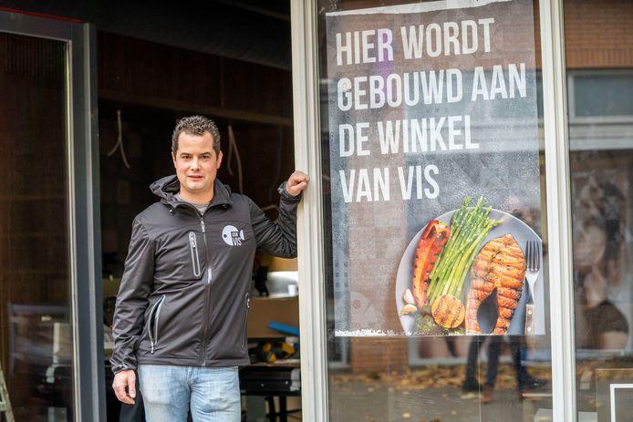 Stan van Lieshout is nog druk aan het klussen in zijn nieuwe zaak.
