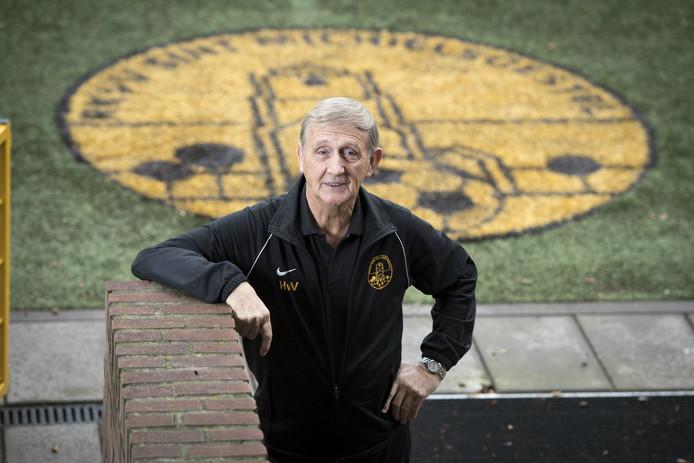 Henk van Vught is al ruim dertig jaar actief als vrijwilliger bij RKVV Sint-Michielsgestel.