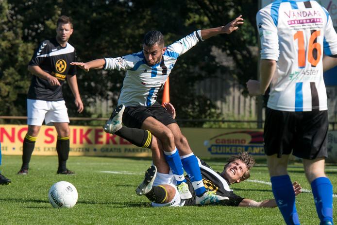 ESA vliegt de poulefase van het districtsbeker-toernooi door: na de 14-0 vorige week werd het nu 4-1.