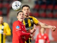 LIVE | Nakamura ontroostbaar na vroege wissel, Aitor mist kansen Twente