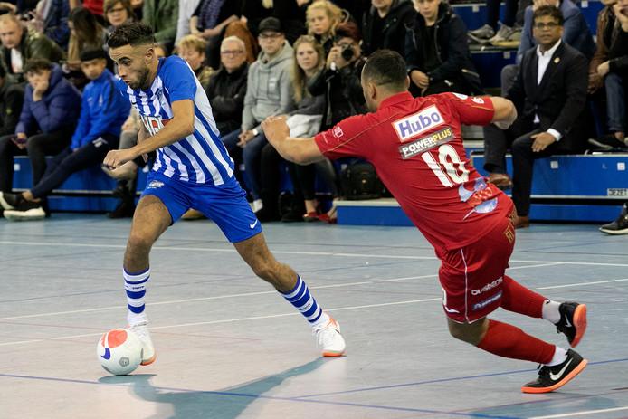 Een moment uit het duel FC Eindhoven - FT Antwerpen