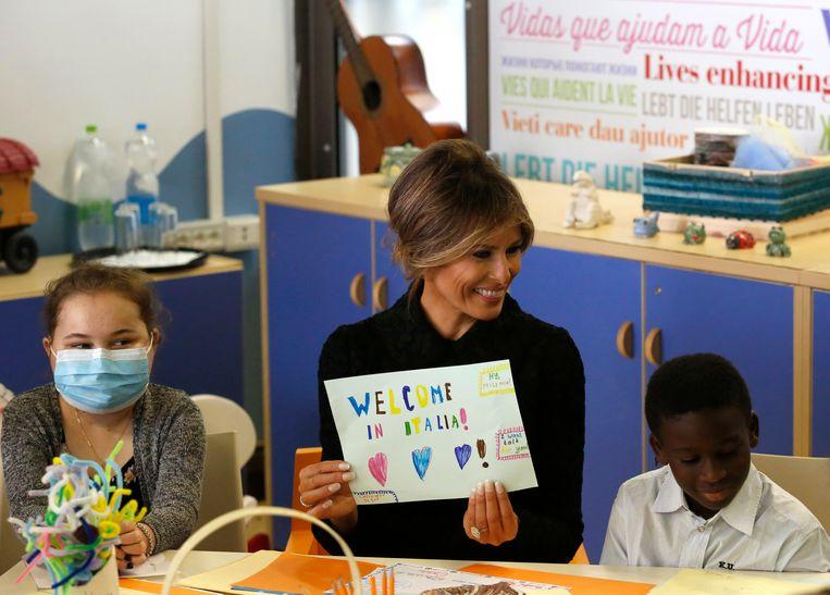 Ook in Jeruzalem en hier in Rome bezocht Melania Trump een kinderziekenhuis.