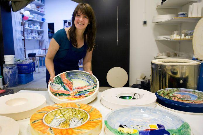 Esther van Groeningen van het Arnhems Keramiek Atelier.