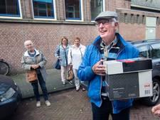 Oorlogsvazen na 74 jaar weer bij de juiste familie