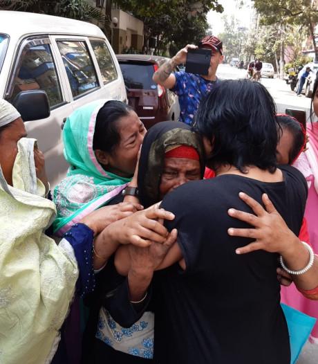 Rowena ontmoette Bengaalse familie na 43 jaar; 'Ze hadden me het liefst in een kooitje willen stoppen'