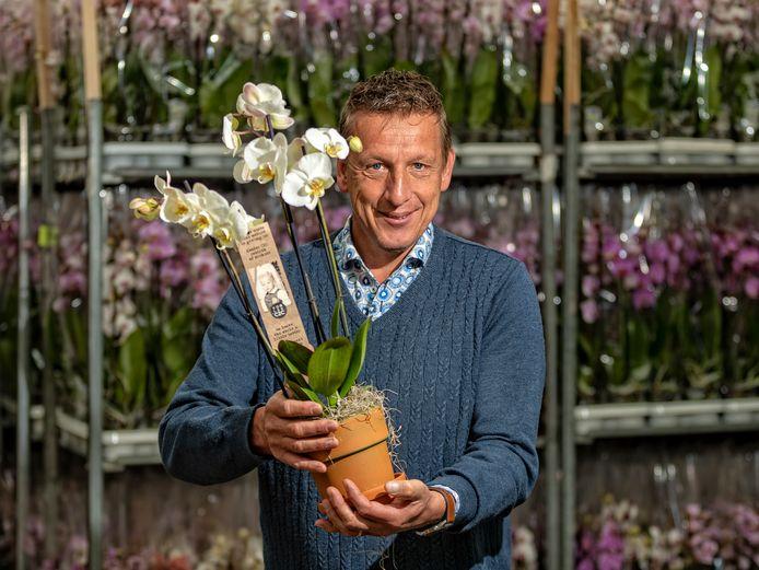 Als het aan orchideeënkweker Ronald Koeleman ligt, staat er over anderhalf jaar een pand waar beneden een plastic recyclingbedrijf staat en boven planten worden gekweekt.