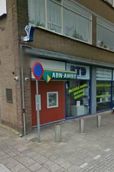 ABNAmro sluit pinautomaat aan de Merwedestraat in Dordrecht