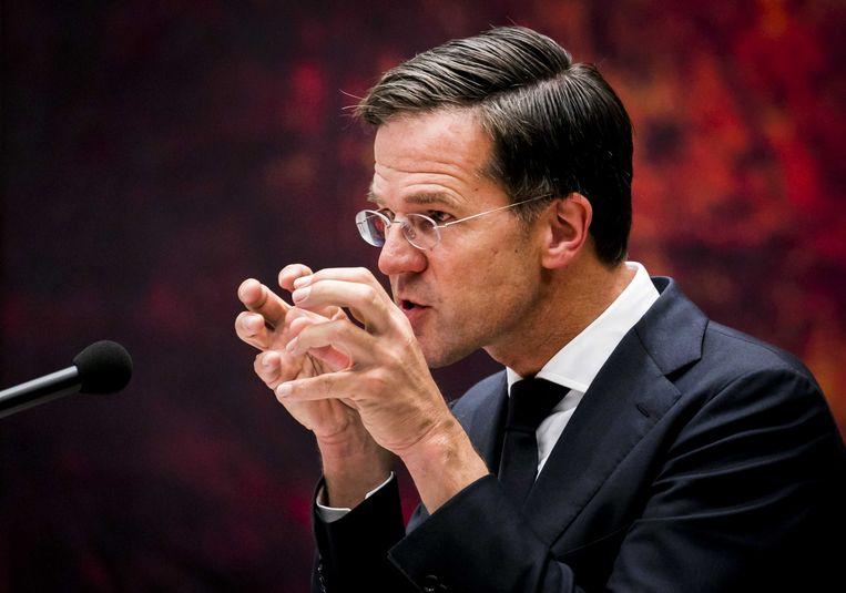 Premier Mark Rutte voert het woord op de tweede dag van de Algemene Politieke Beschouwingen. Hoeveel vaste grond premier onder de voeten heeft, is aan dit debat niet af te lezen. Beeld ANP