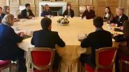 Jongeren praten met koning over godsdienst