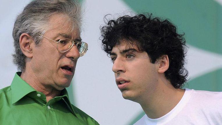 Umberto Bossi (l) met zoon Renzo. Beeld reuters