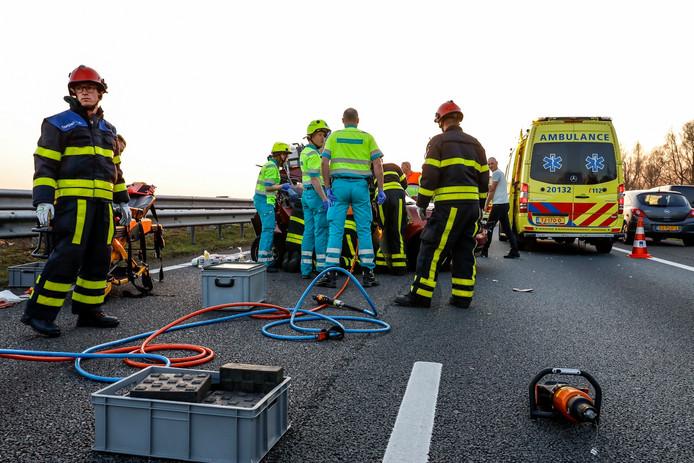 Twee ongelukken op de A59 bij Hooipolder.