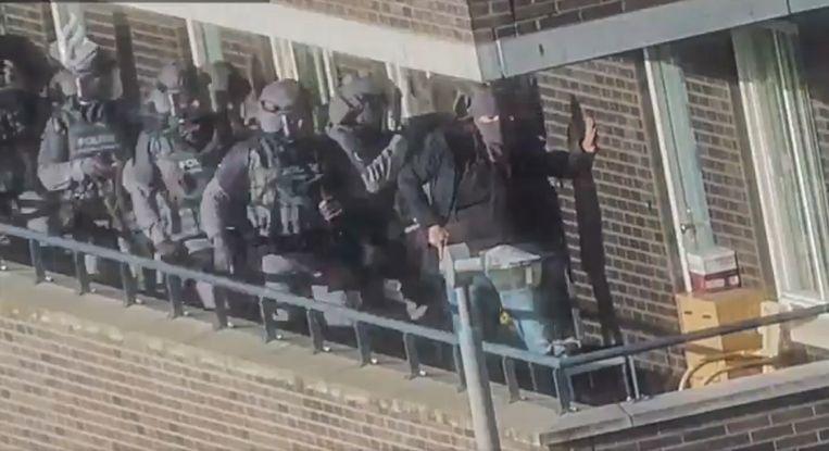 Beelden van de arrestaties in het terrorismeonderzoek