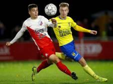 Linksback Gabriël Culhaci van FC Utrecht op weg naar NEC