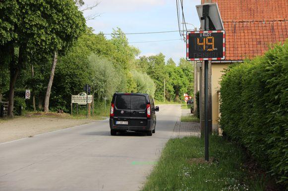 De digitale snelheidsborden en de asverschuivingen iets verderop moeten voldoende zijn om de veiligheid op de Smarre te waarborgen, vindt de meerderheid.