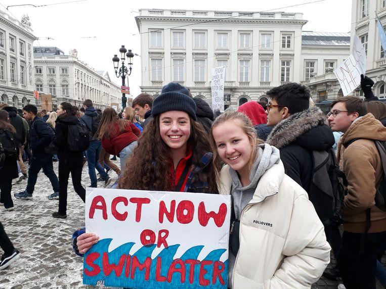 Heleen Mertens en Alexandra Stephan (beide 16) Beeld Marijke de Vries