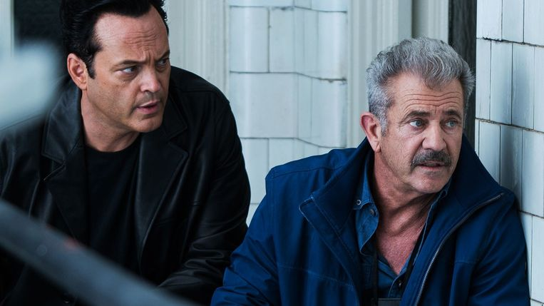 Vince Vaughn en Mel Gibson in Dragged Across Concrete. Beeld