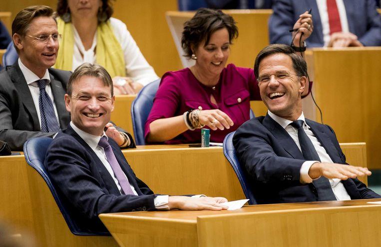 Zijlstra en Rutte tijdens een stemming in de tweede kamer. Beeld anp