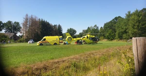 Fietser ernstig gewond bij ongeluk in buitengebied Halle.