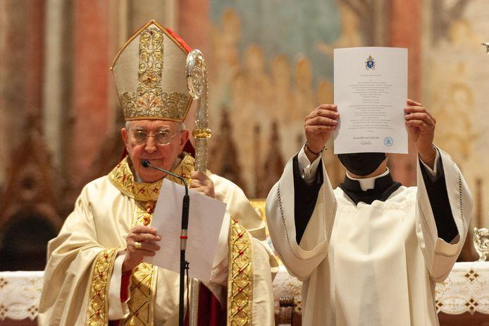 Kardinaal Agostino Vallini ging voor in de zaligverklaring.