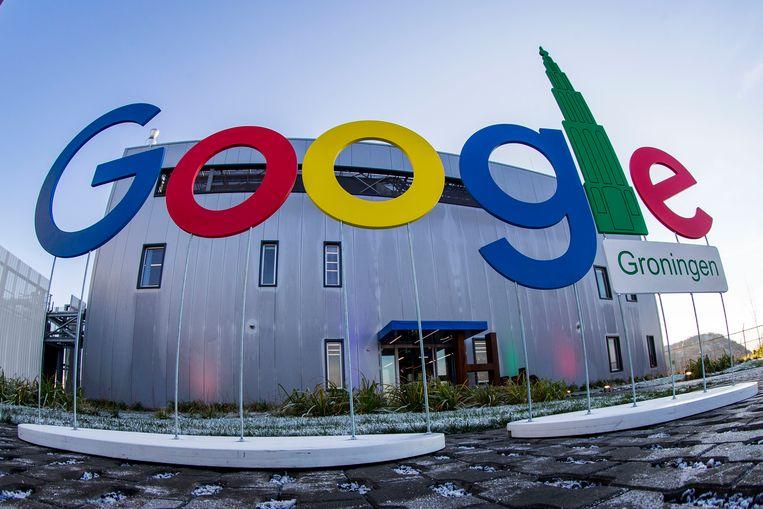 Het hoofdgebouw van Google's enorme datacenter in Eemshaven, in de Nederlandse provincie Groningen.