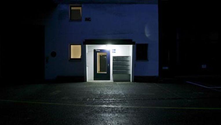 Ingang van de Zwitserse Dignitas-kliniek in Schwerzenbach. Foto EPA Beeld