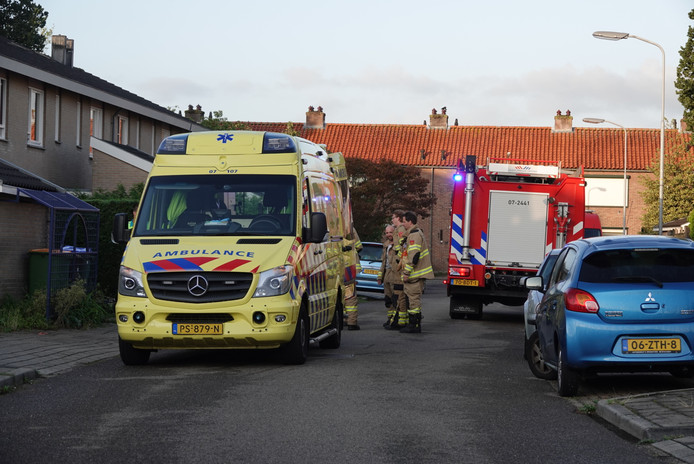 Ambulance en brandweer bij de woning in Lunteren.