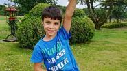 Simon (8) laat ballon op en krijgt honderden antwoorden uit... Nederland