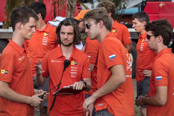 Foto: Hans-Peter van Veldhoven. Steven de Rooij (midden) tijdens race.