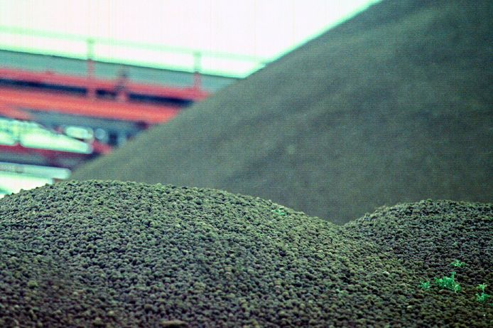 Een berg granulaat. Deze foto dient ter illustratie en is niet gemaakt bij Putman in Westervoort.