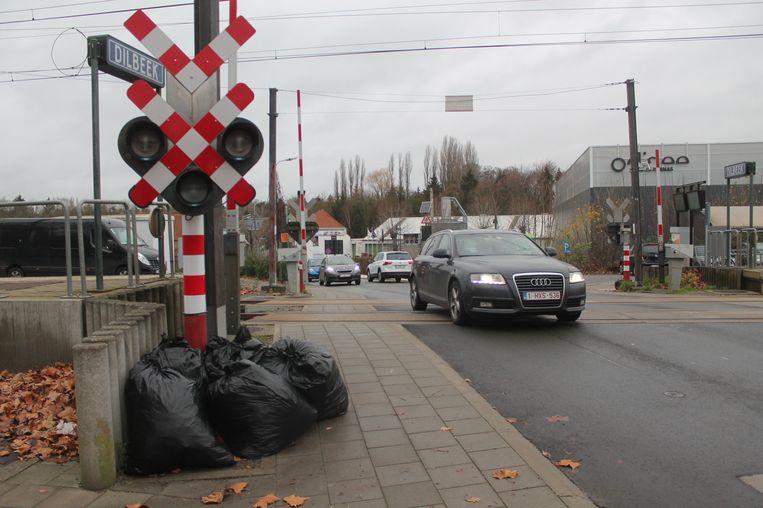 De Dilbeekse stationsomgeving moet de komende jaren een nieuw gezicht krijgen.