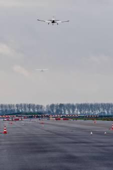 Laat Lochem wachtruim voor vliegtuigen over zich heen komen?