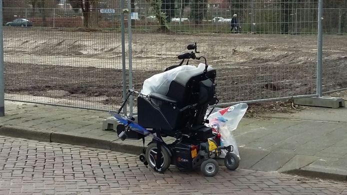 De elektrische rolstoel van het slachtoffer.