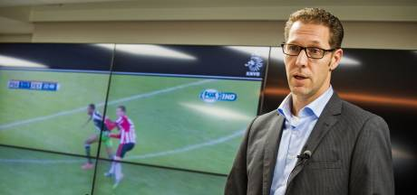 VAR-baas Van der Roest van KNVB naar FIFA