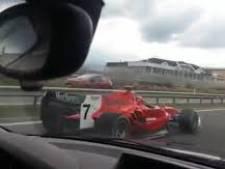 Politie Tsjechië op zoek naar bestuurder 'Formule 1-auto'