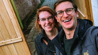 """Winnie en Jonah uit 'Blind Getrouwd' halen voordeel uit coronacrisis: """"Veel tijd om samen aan ons huis te werken"""""""