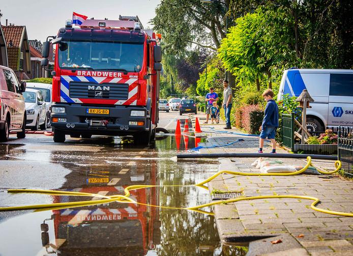 Wateroverlast aan de Nieuweweg, vorig jaar.
