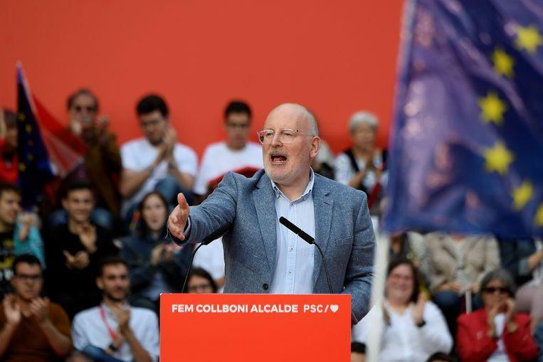 Frans Timmermans in Barcelona kort nadat bekend is geworden dat de PvdA volgens een exitpoll een flinke verkiezingswinst heeft geboekt. Beeld AFP