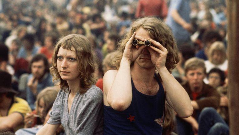 Een deel van het hippiepubliek tijdens het Holland Pop Festival van 1970 in Kralingen. Beeld null