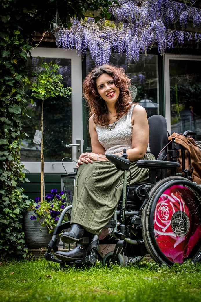 20170427 - Halsteren - Foto: Tonny Presser/Pix4Profs - Christel Verbogt was eerder dit jaar bij SBS 6 in de race voor de Mis(s) Verkiezing voor vrouwen met een beperking.