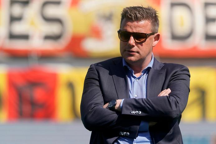 """Youssouf Hersi weet wat John Stegeman, die van Go Ahead Eagles naar PEC Zwolle verkast, doormaakt: ,,Het is op het moment heel heet onder zijn voeten, maar ik denk dat het hem uiteindelijk vergeven zal worden."""""""